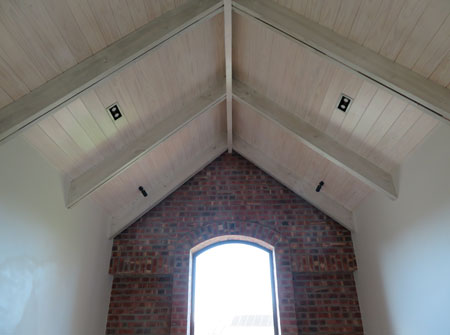 Cape Roof - Exposed Ridge Beam and Rafters